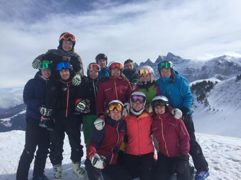intercollege-ski01